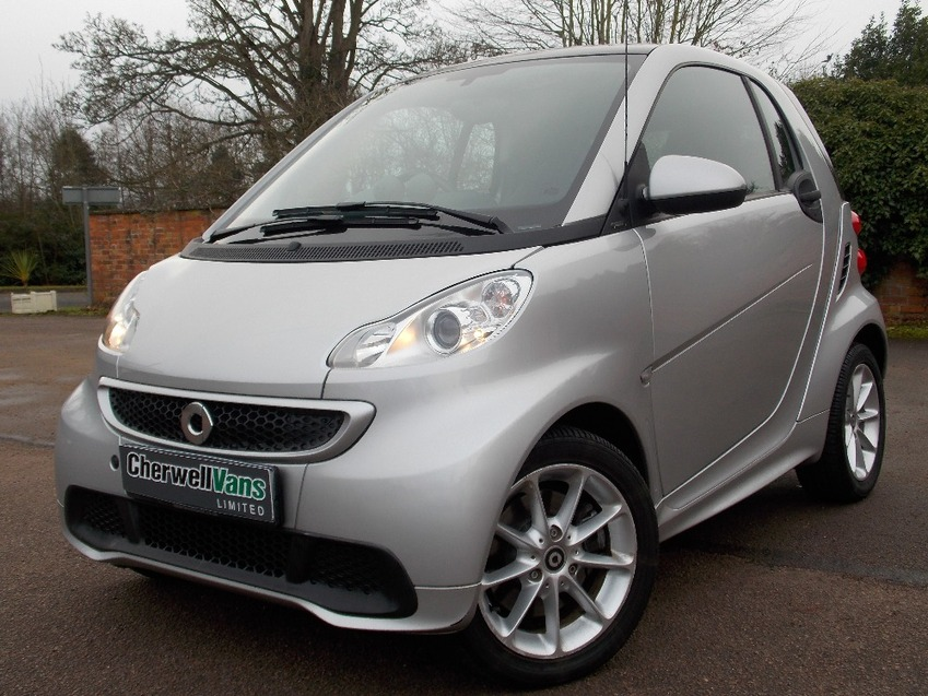 View SMART FORTWO PASSION MHD 1.0 AUTO - 7,000 MILES - FULL SMART SH - PAN ROOF - SATNAV - AIR CON - ELECTRICS