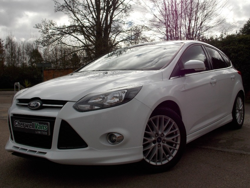 View FORD FOCUS 1.6TDCi Zetec S 5dr Hatchback 69,000 Miles - FSH - Air Con - Bluetooth